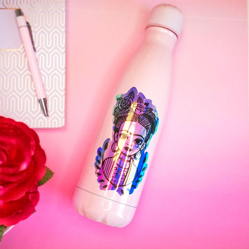 botella personalizada con vinilo adhesivo