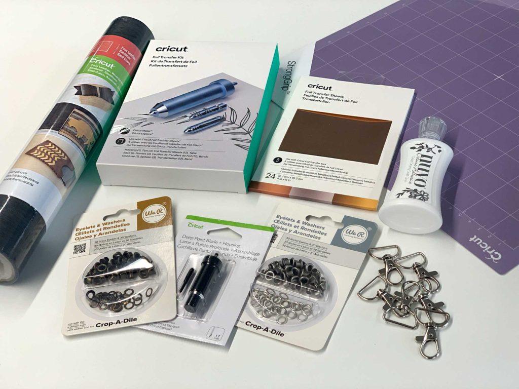 Materiales para hacer el llavero con ecopiel y Cricut Maker